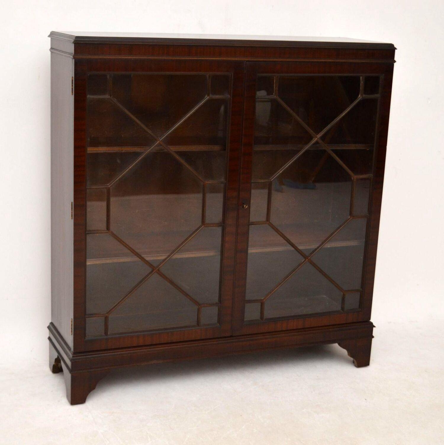 Antique Georgian Style Mahogany 2 Door Bookcase