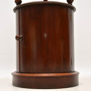 Antique Victorian Mahogany Side Table / Cabinet