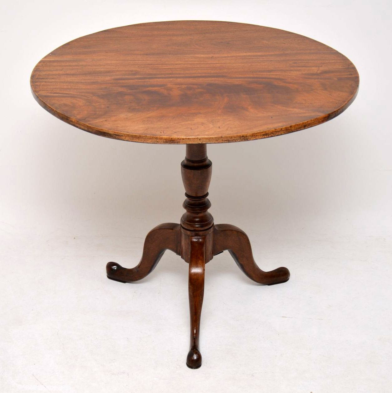 Antique George III Mahogany Tilt Top Table