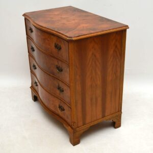 Antique Burr Walnut Serpentine Fronted Chest of Drawers