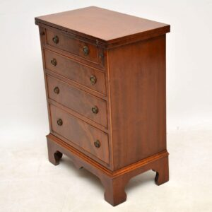 Antique Georgian Style Mahogany Bachelors Chest of Drawers