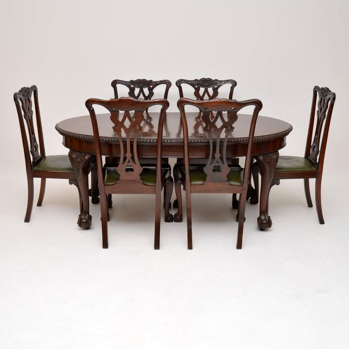 Antique Mahogany Chippendale Style Dining Table & Six Chairs