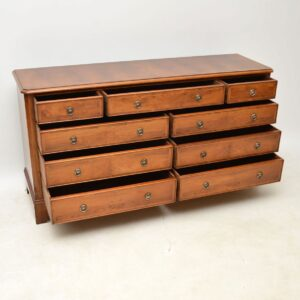 Antique Georgian Style Yew Wood Sideboard / Chest of Drawers