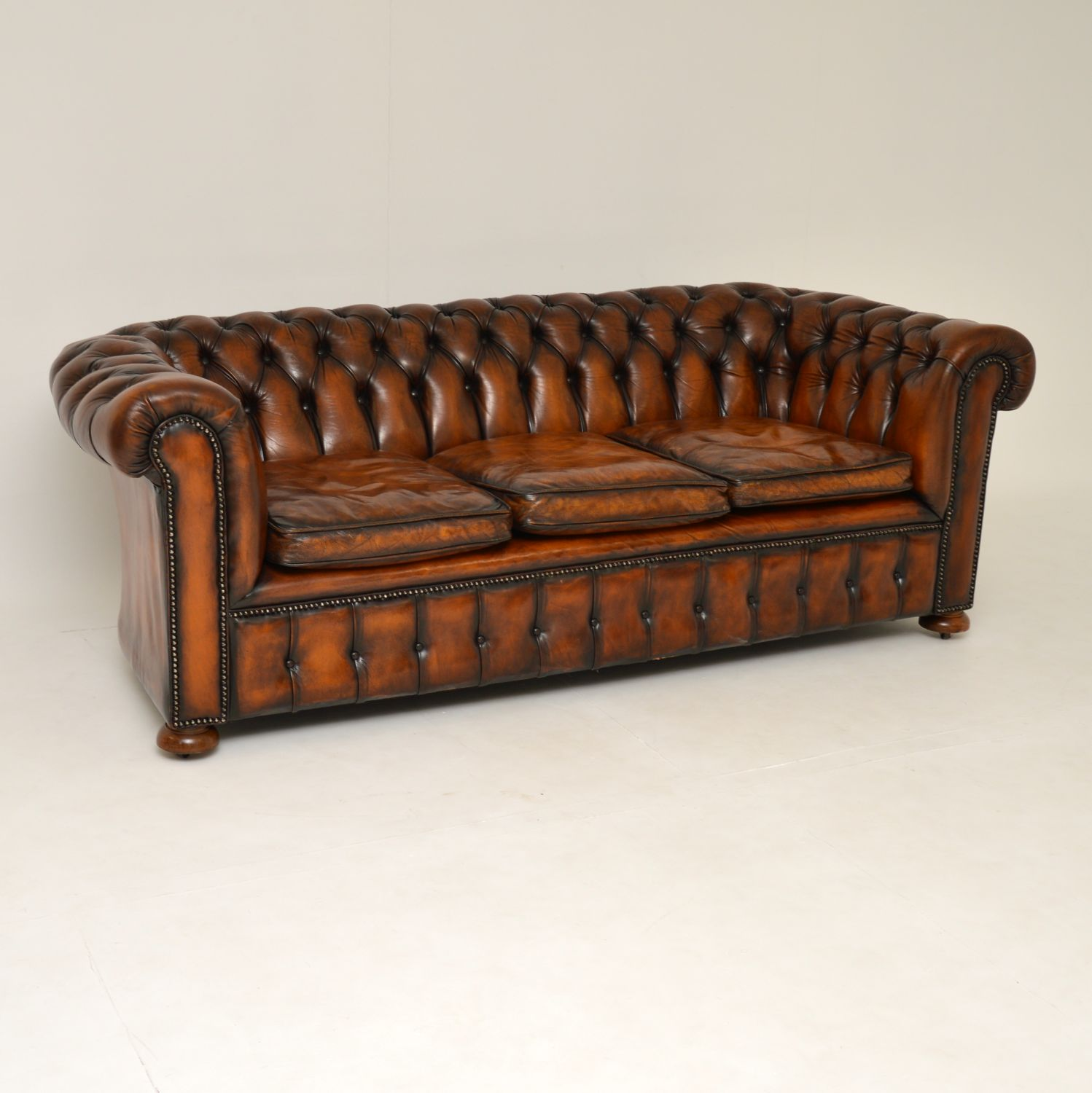 antique leather vintage chesterfield sofa