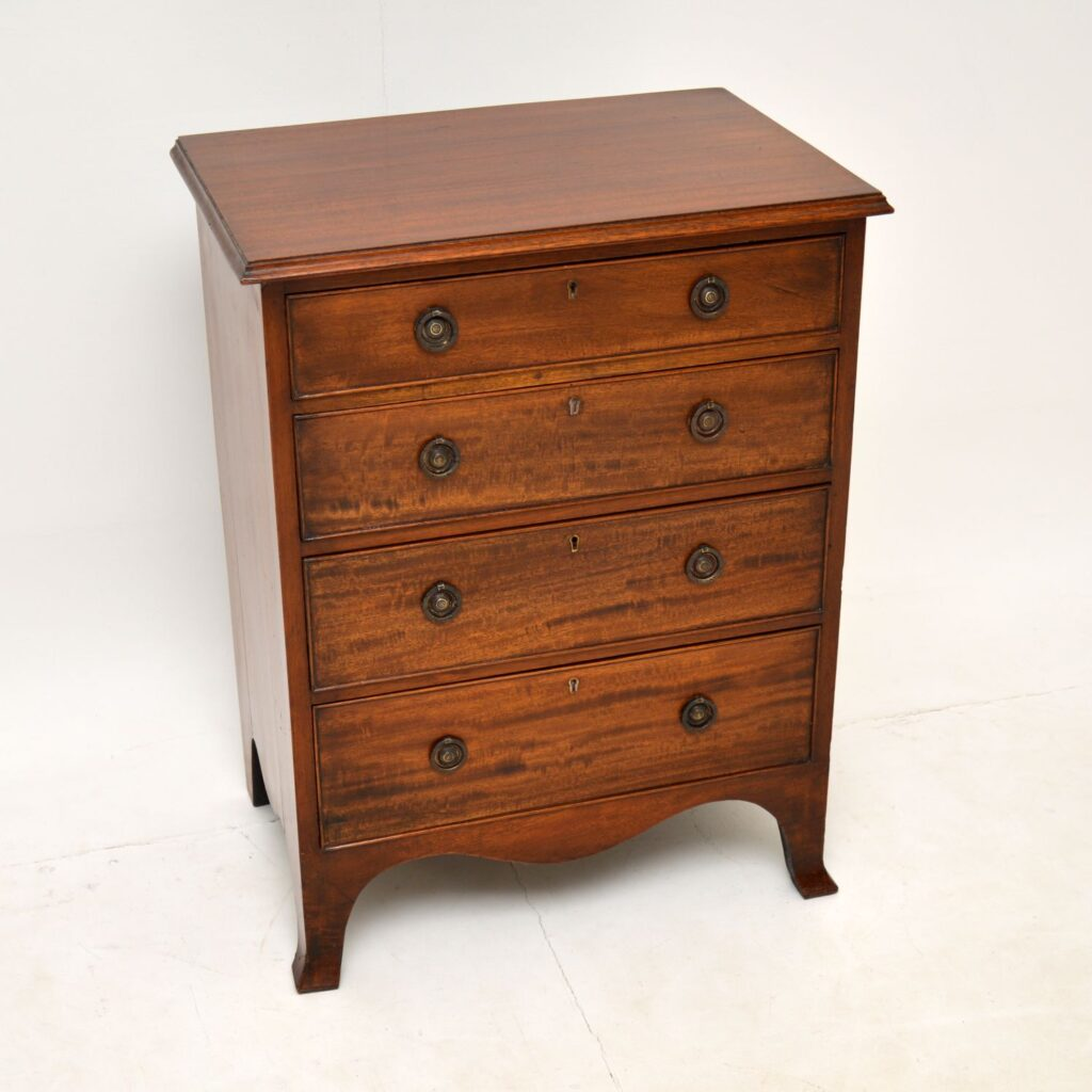 antique georgian period mahogany chest of drawers